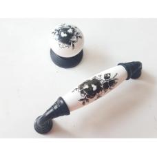 96 mm Polimer porselen görünümlü siyah çiçekli Antik Kulp